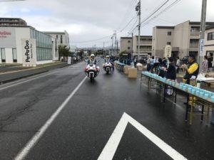 第3回丸本マラソン写真を撮っていたら白バイが近づいてくる